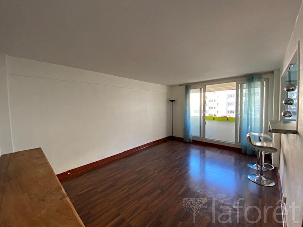 Appartement a louer puteaux - 3 pièce(s) - 65.19 m2 - Surfyn